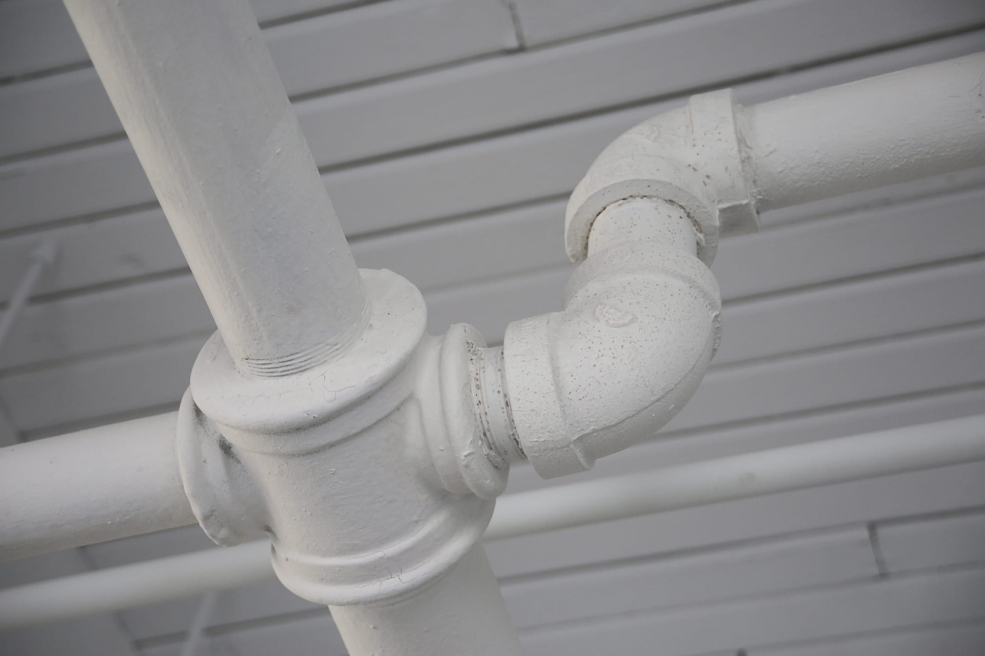 What to Do When a Pipe Bursts in Your Home